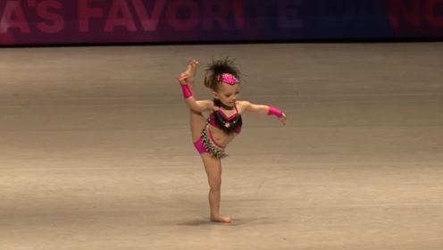 三岁小孩一段热舞,跳舞真的超级棒,红遍俄罗斯!