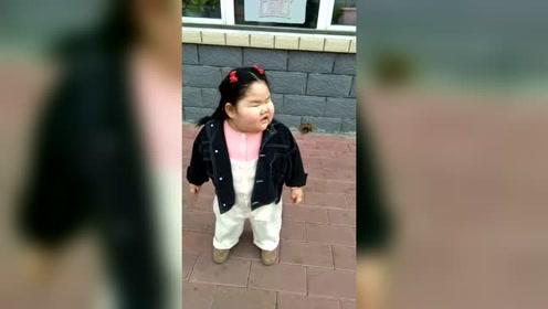小姑娘咱别跳了,再跳就没100斤啦!