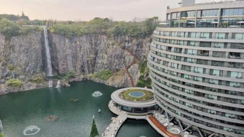 中国挖了一个80米大坑,耗巨资填了10年,建成了世界奇迹?