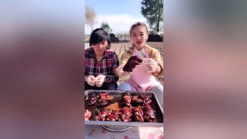 特意给妈做的红烧猪蹄,好吃以后天天给你做,网友:啥家庭啊?