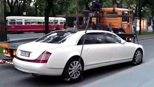 最霸道的千万豪车,连交警都无奈,有钱人就是会玩!