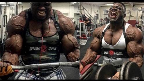 """肌肉太大撑破衣服?""""戏精""""氮泵哥再出新花样"""