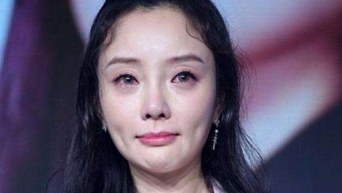 贾乃亮想抱李小璐,谁注意李小璐下一秒的举动?瞬间暴露夫妻感情