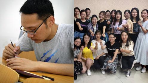 全班27人22个女生被男班长宠上天,毕业前忙30天为大家刻章