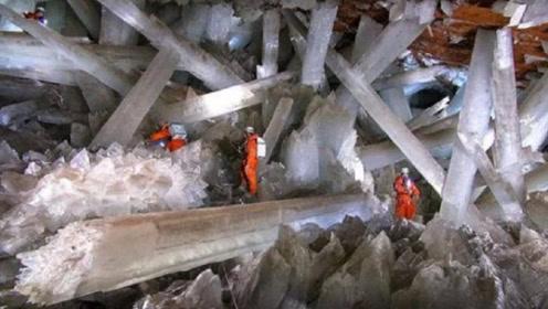 """沙漠地下有一座""""冰宫"""",内部发现大量水晶,禁止普通人进入!"""
