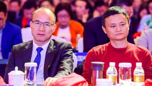 """上海首富碰到马云叫""""爸爸"""",马总不知所措,场面差点失控!"""