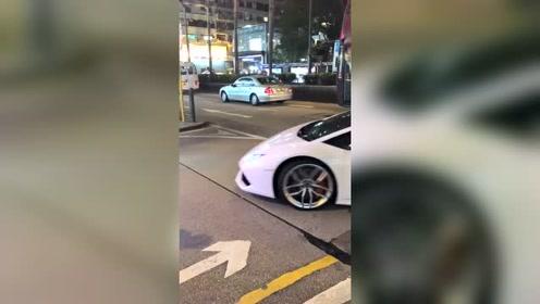 香港街头,这声音,得是多少男人一生的梦想?