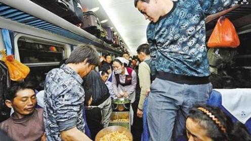 一列火车几千名乘客,为什么连几十份的盒饭都卖不完?原因很扎心