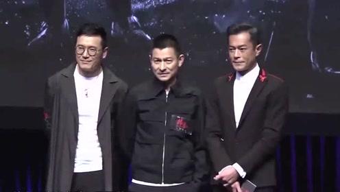 他是唯一被杰克逊邀请同台演出的中国巨星,如今依旧很红