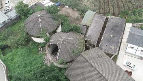 """50多岁圆形粮仓险被拆除,村委会和村民挖机下""""救""""它"""