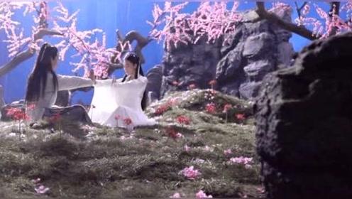 曝张馨予婚后首复出演小龙女 腰肢纤细白衣飘飘