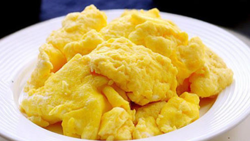 """鸡蛋这两种误吃法宛如""""毒药"""",很少人知道,别再毒害家人了"""