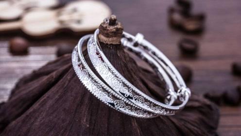一分钟简单清洗银饰,迅速亮白有光泽,简直跟新买的一样!