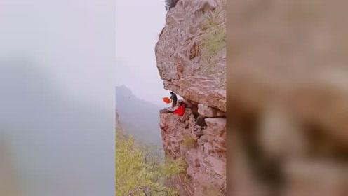真正的崖居生活,这里与世隔绝,一切都要自给自足!