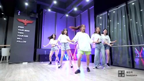 I-DLE 热门单曲《Uh-Oh》舞蹈室版