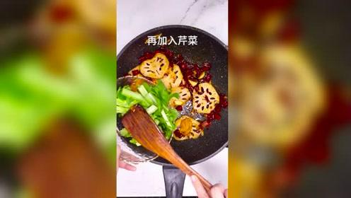干锅香辣虾美食小吃, 好吃到连壳都不剩,请问你想吃吗