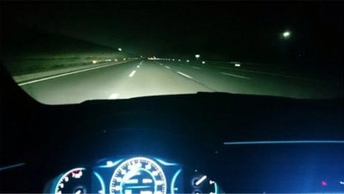 夜间开高速开远光还是近光?交警表示:这都不懂开什么车