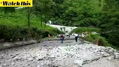 缅甸反叛分子在缅北部发动袭击 杀人毁桥现场惨烈