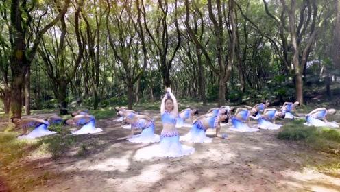 傣族经典舞来袭!让我们解锁舞蹈新姿势吧,小姐姐们民族服饰有别样风情