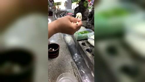 日本的流水面,不排在第一个只能吃别人的口水