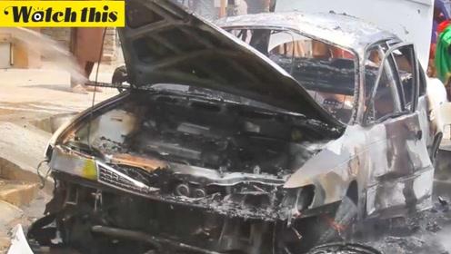 阿富汗独立日贾拉拉巴德市发生爆炸 汽车变成废铁伤者鲜血满地