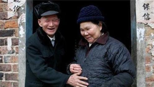 70岁老太拜完上帝竟意外怀孕?家人语焉不详,专家看后直接傻眼