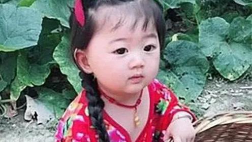 4岁女儿放假去奶奶家,爸爸发来照片,妈妈一看哭笑不得!