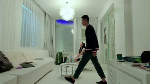 美女秘书不愿离开,帅哥拿着包先走,这招绝了!