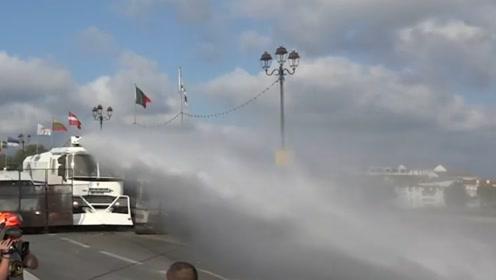 法国多地爆发抗议G7峰会活动 警方使用水炮和催泪弹强力驱散