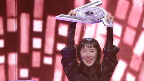 明日之子张钰琪夺冠,8岁就开始原创的她,现在做到了!