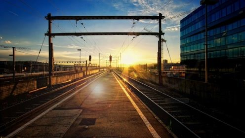 中国最奇特大桥,火车经过都鸣笛30秒,知情人:有人长埋地下!