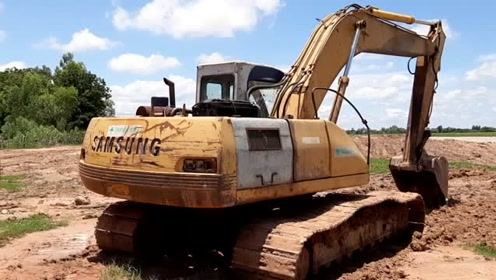 封闭式挖掘机传奇 三星-SE210 LC以前曾铸造过挖掘机