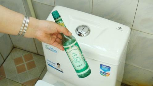 小苏打里滴入几滴花露水,用途太聪明了,解决了许多洗手间的难题