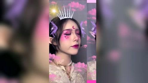 时尚化妆教程:鬼马少女就该有鬼马少女的亚子!