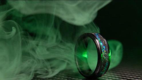 老外自制陶瓷51戒指,用石块做出天外风格,一枚戒指也难加工!