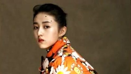 张子枫化痦子妆,大胆的色彩搭配呈现高级感,宝藏女孩无敌了