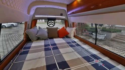国产10万块B型房车!车内两张床,有淋浴和厨房,没厕所!