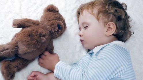 孩子睡觉时有这些表现赶紧去医院检查一下 严重了孩子遭罪
