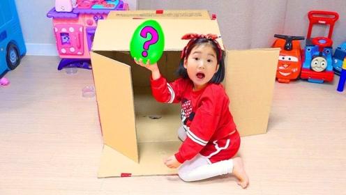 熊孩子影响他人学习,哥哥拿神秘玩具与她玩耍,这下终于安静了!