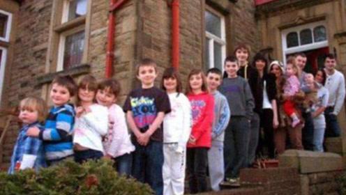英国夫妇生孩子上瘾,连生21个出门要开大巴,称:害怕孩子走丢