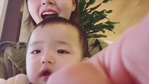 每次要跟宝宝自拍,一定会发生这样的事,宝妈肯定都经历过!
