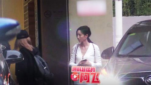 张钧甯穿白色深V短裙现身街头,小姐姐的身材真是太好了
