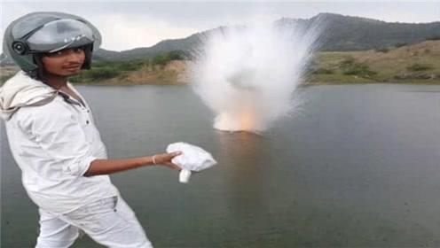小伙将一公斤钠扔入水中,瞬间场面炸裂,一起来见识下