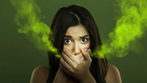 有口臭的人为什么自己闻不到?医生:经常口臭,问题可能有这些