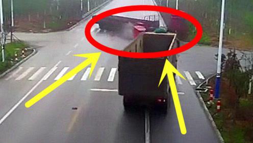 三轮车作死闯红灯,大货车为救他付出惨痛代价!