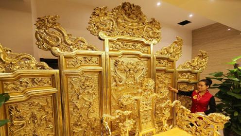 故宫里面的龙椅,到底是用什么材料做的?说出来你都不敢相信