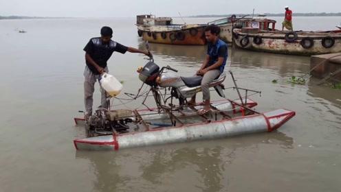 """印度小伙自制世界最""""简陋""""游艇,说出来你可能不信,它跑的飞快"""