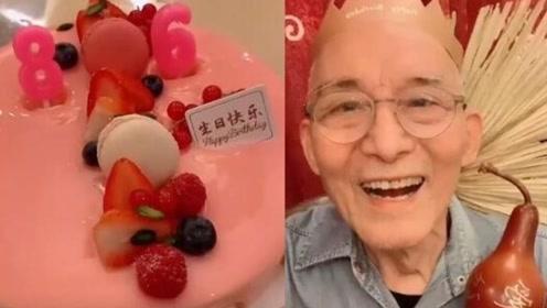济公爷爷庆86岁生日,晒视频精神状态超好,还要做90后