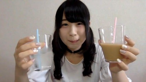 日本奶茶热有多厉害?超市卖透明奶茶?美女喝完一脸幸福