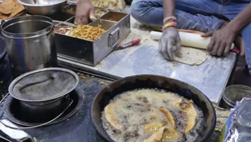 """印度版""""煎饼果子"""",制作方法考究风味独特,网友:口味好重!"""